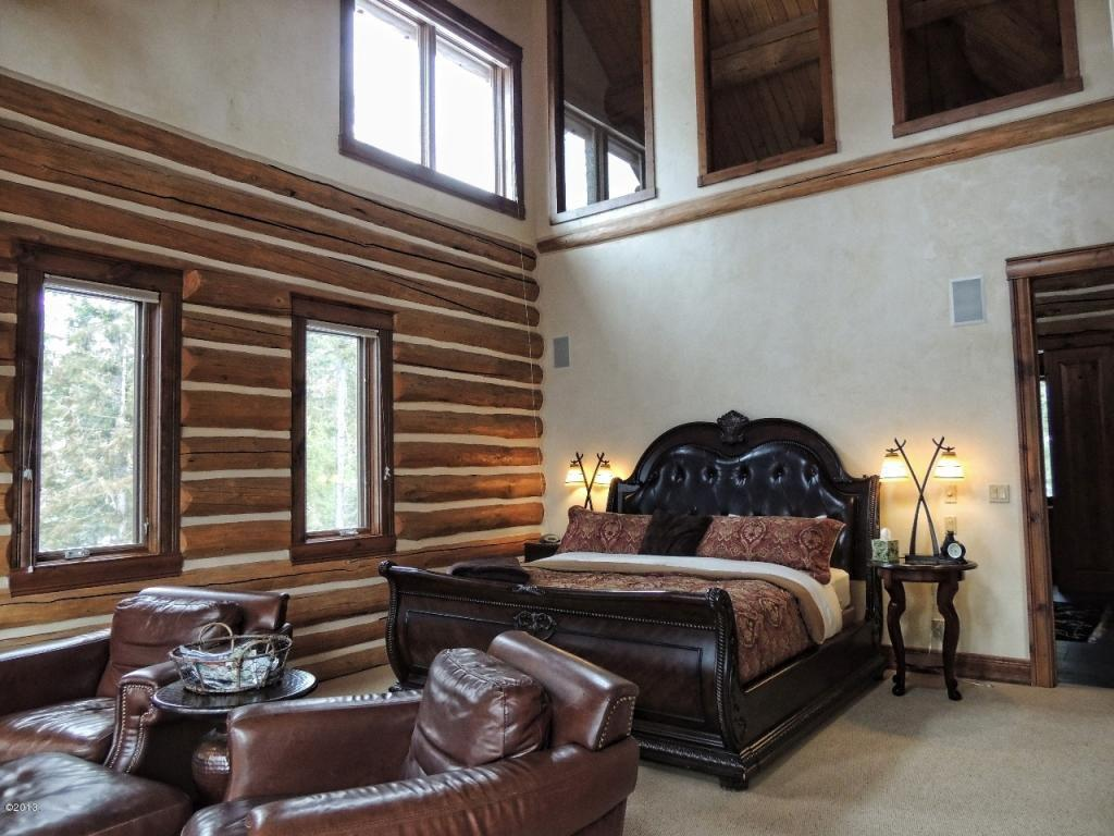 Image of: Rustic Master Bedroom Colors