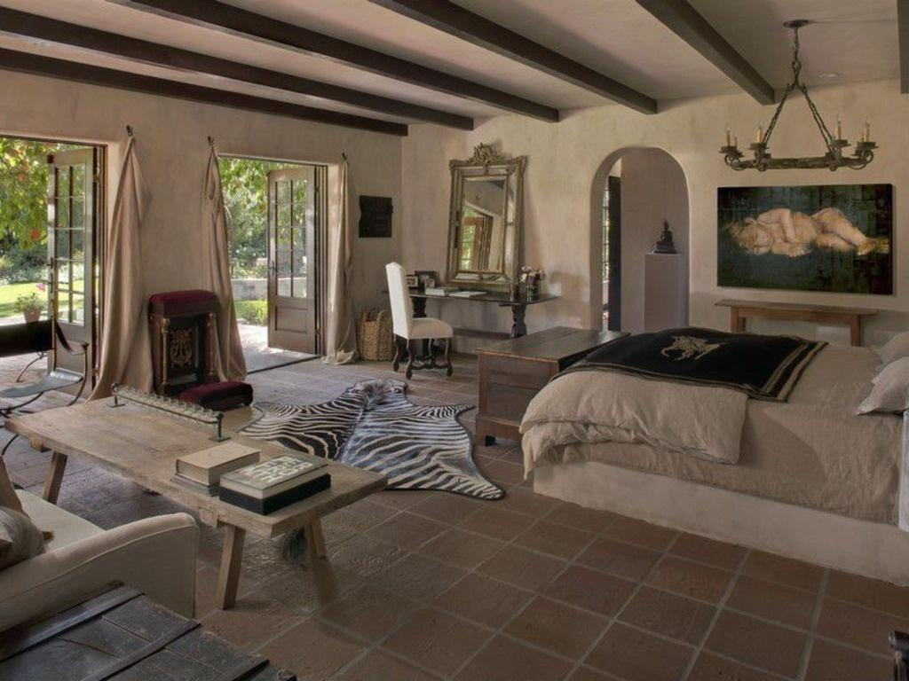 Image of: Rustic Master Bedroom Suites