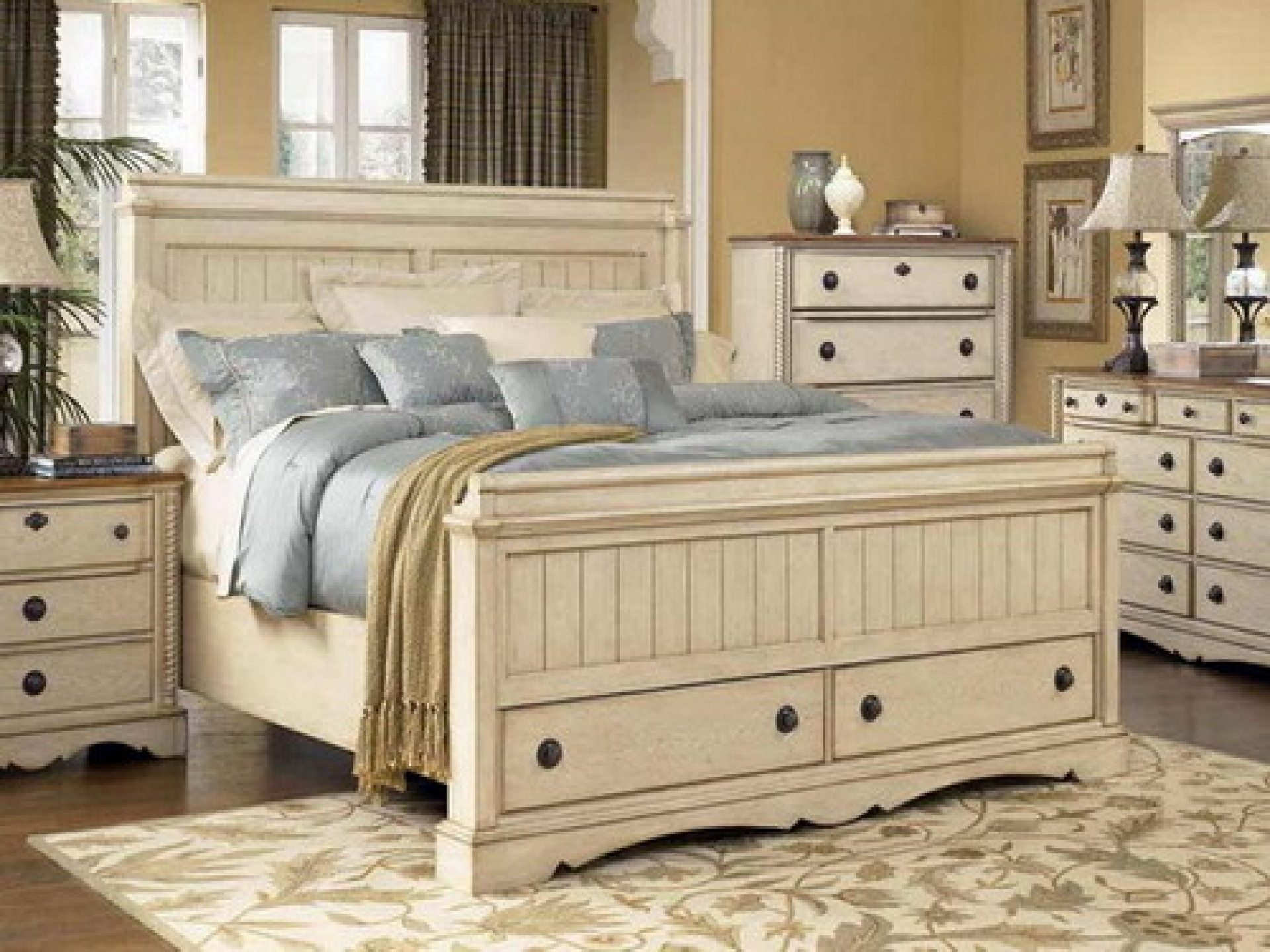 Image of: Rustic Off White Bedroom Furniture