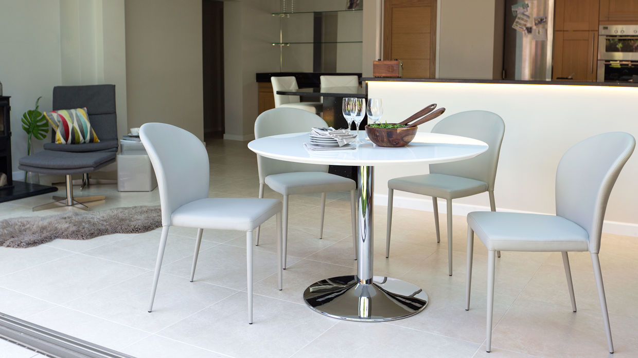 Image of: Stackable Dining Chairs Design