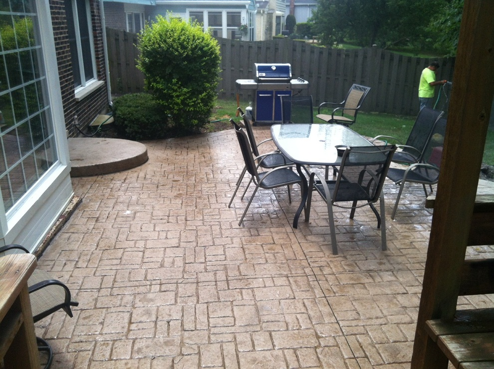 Image of: Stamped Concrete Patio Dining