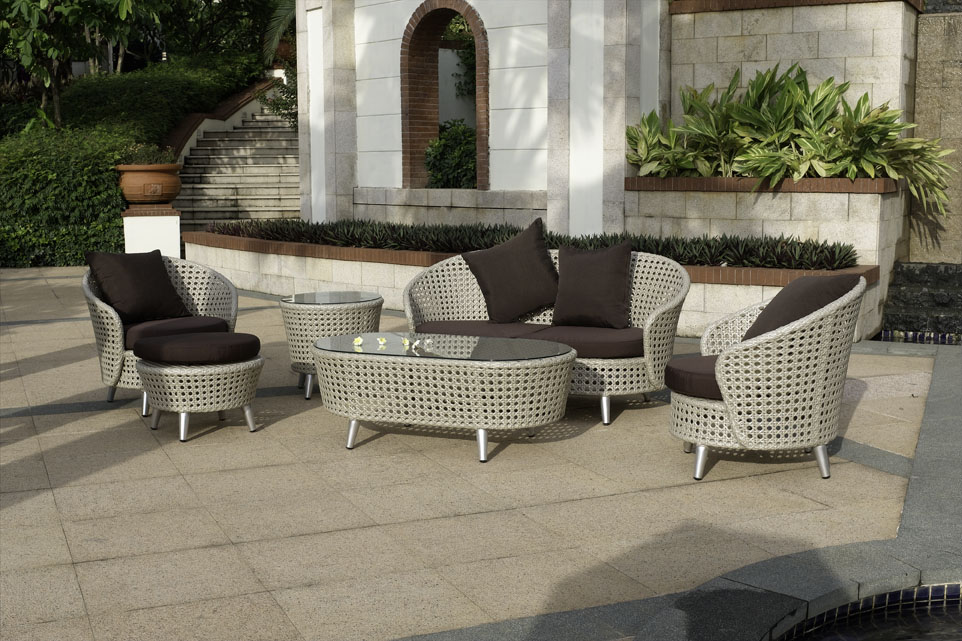 Image of: Style of Outdoor Loveseat