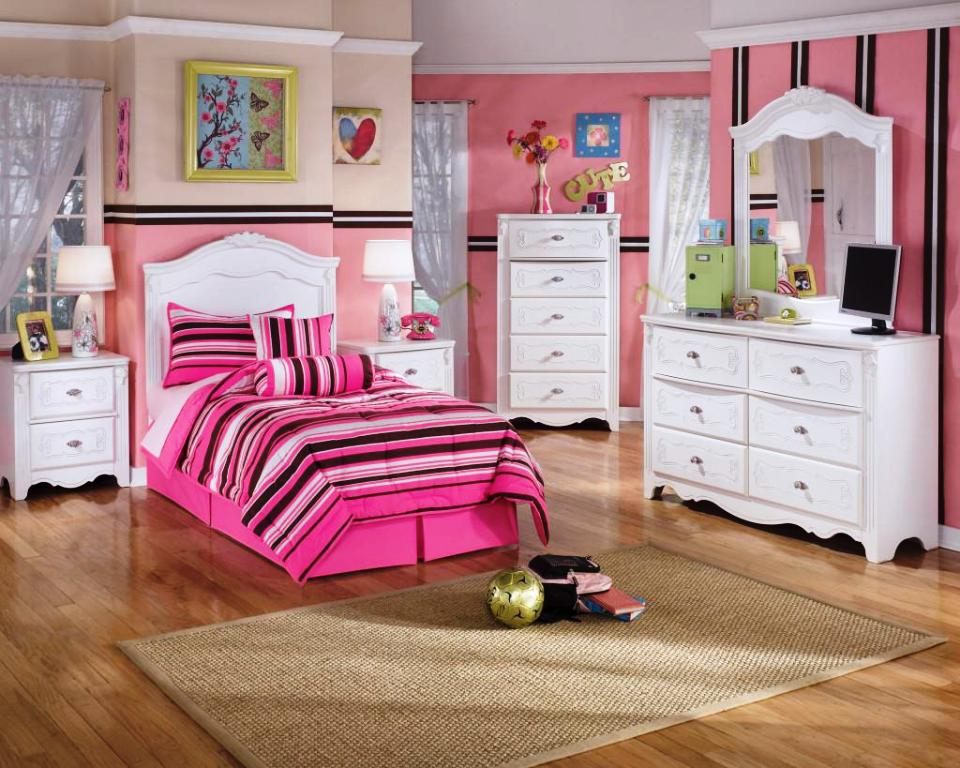 Image of: Teenage Girl Bedroom Ideas Wall Color