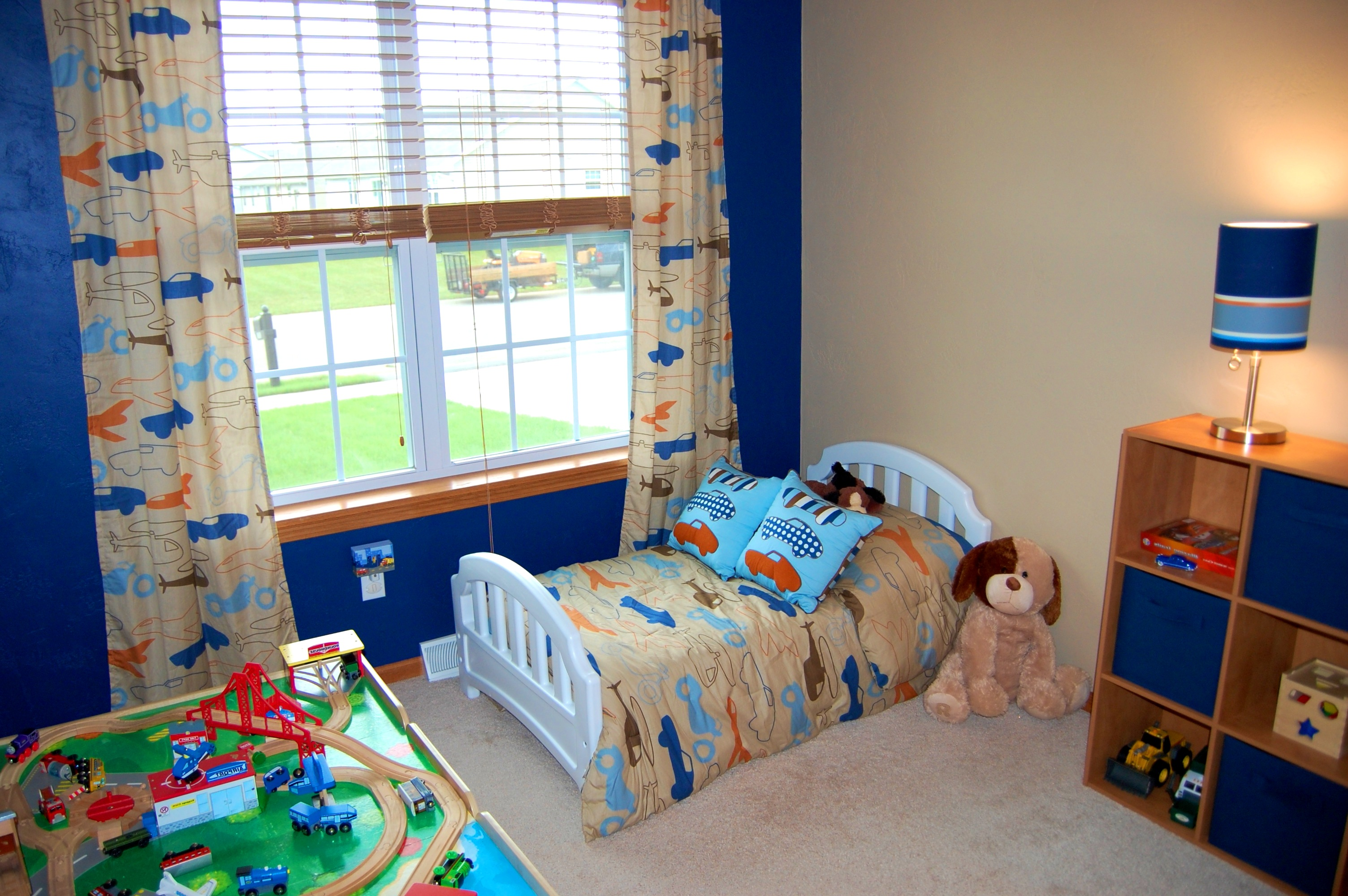 Image of: Toddler Boy Bedroom Ideas Cars