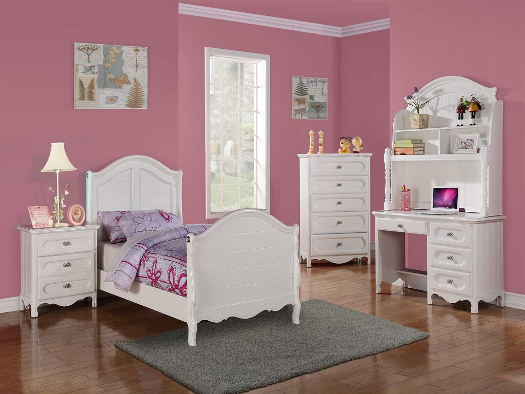 Image of: Toddler Girl Bedroom Sets Pictures