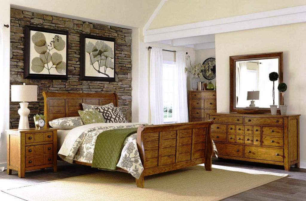 Image of: Traditional Rustic Queen Bedroom Sets