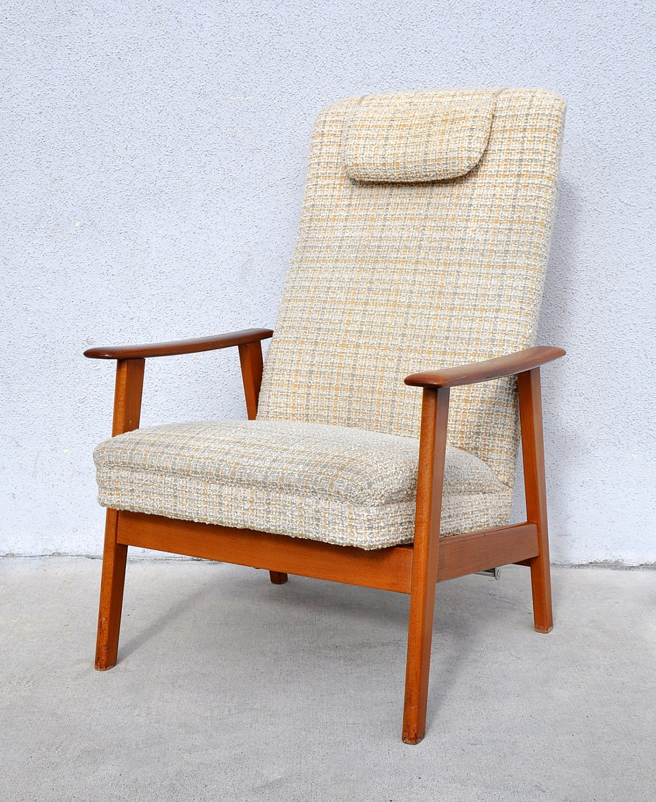 White Danish Lounge Chair