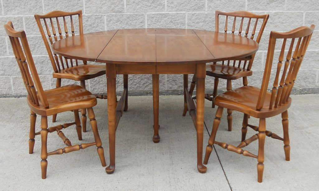 Image of: Windsor Dining Chairs Ideas