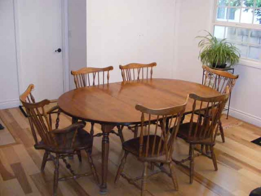 Image of: Windsor Dining Chairs Pictures