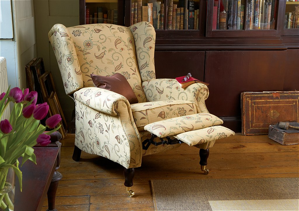 Image of: Wing Chair Recliner Picture