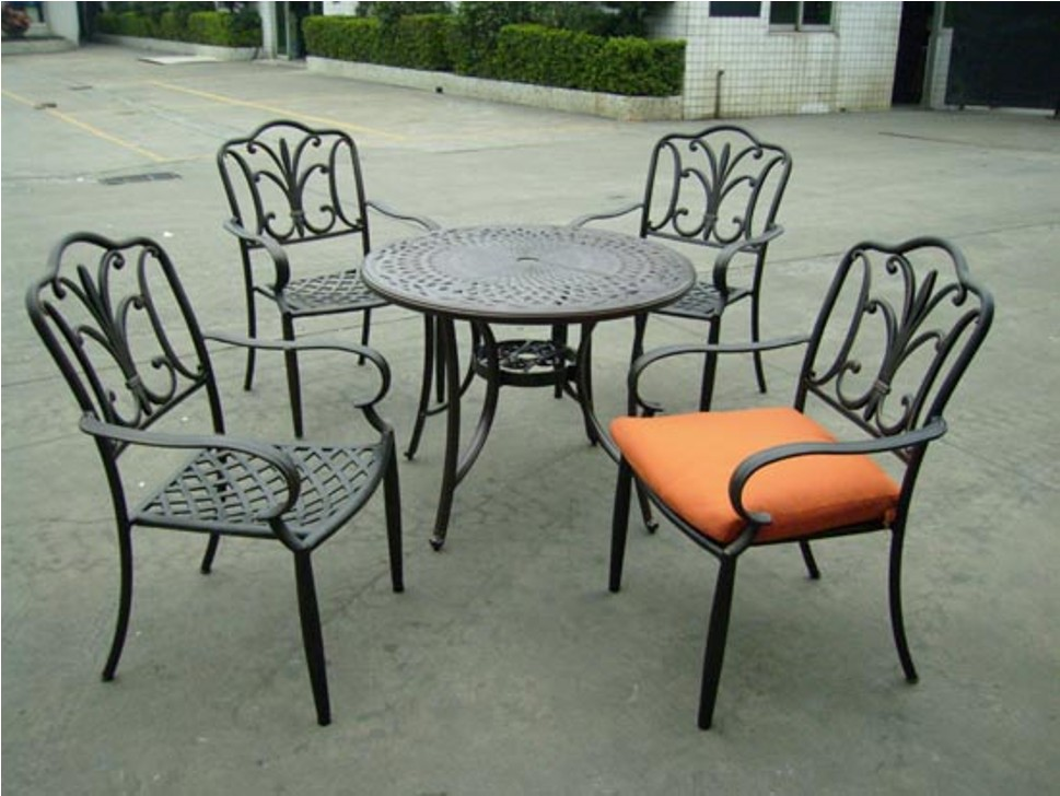 Image of: Classic Wrought Iron Patio Chairs Discontinued