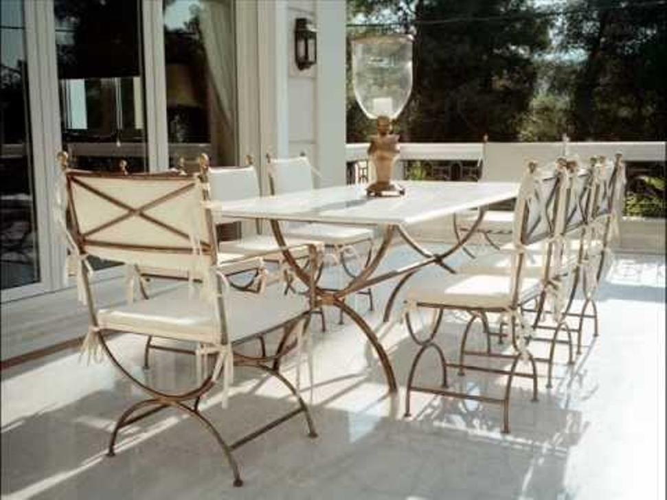 Image of: Wrought Iron Patio Chairs Green