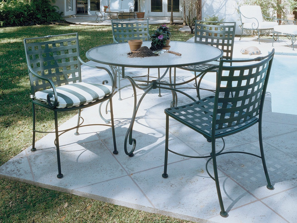 Image of: Wrought Iron Patio Dining Set Outdoor