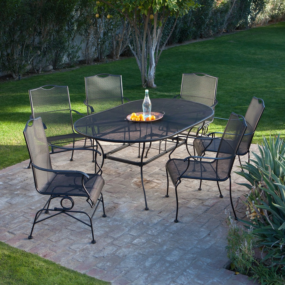Image of: Wrought Iron Patio Furniture Sets Black