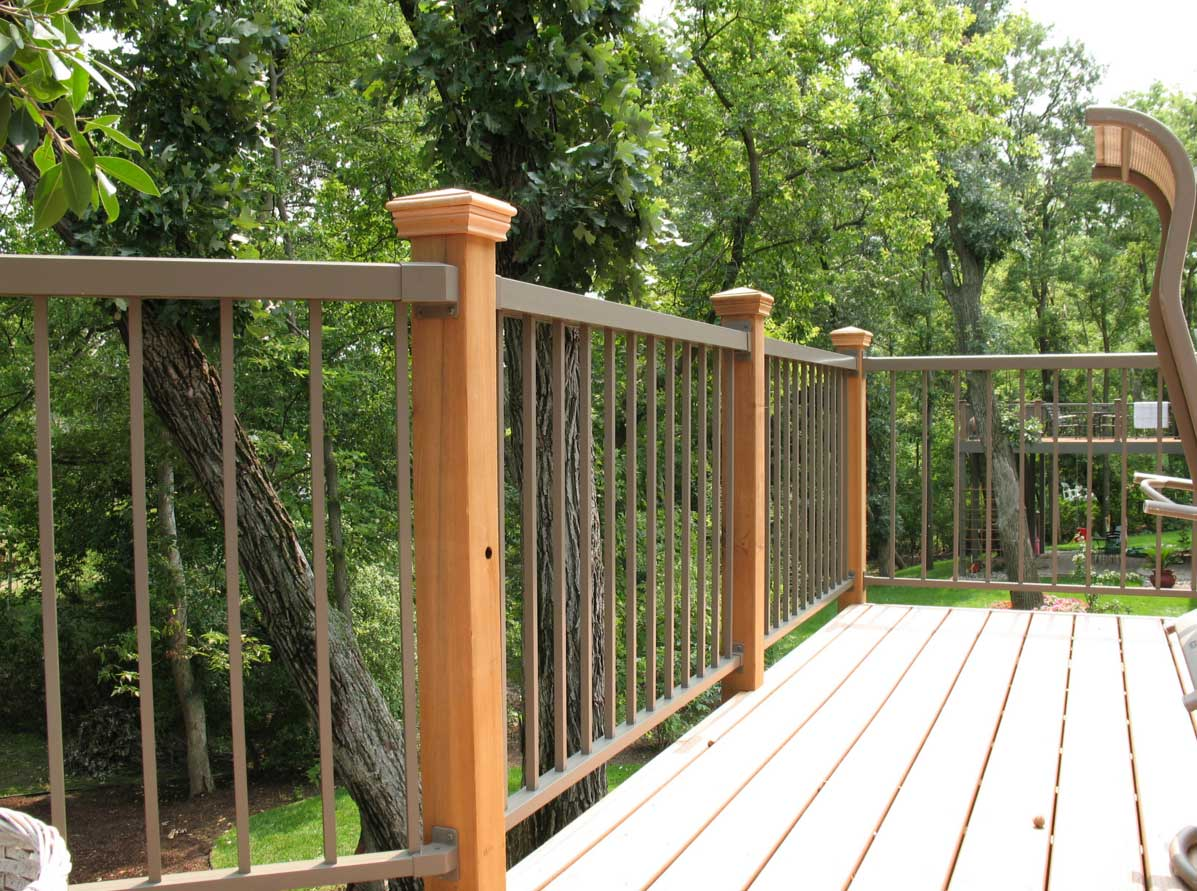 Image of: Aluminum Deck Railing Designs