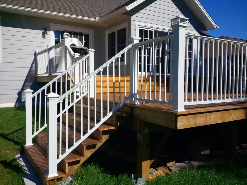 Image of: Aluminum Deck Spindles Railing