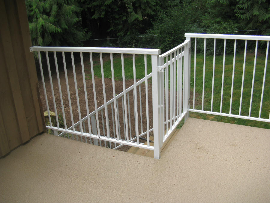 Image of: Aluminum Spindles for a Deck