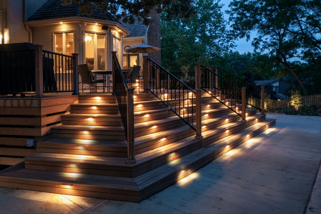 Image of: Amazing Deck Stair Lights