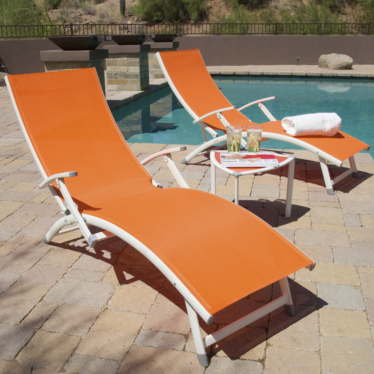 Image of: Amazing Folding Chaise Lounge Chair
