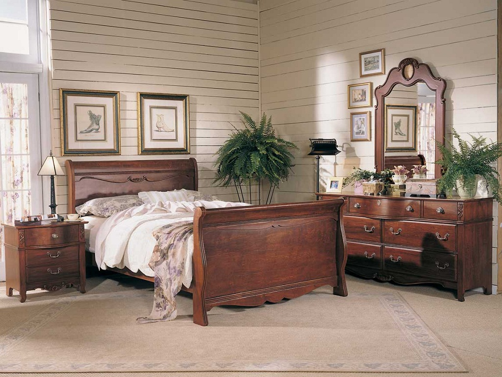 Image of: Antique Bedroom Furniture Identification