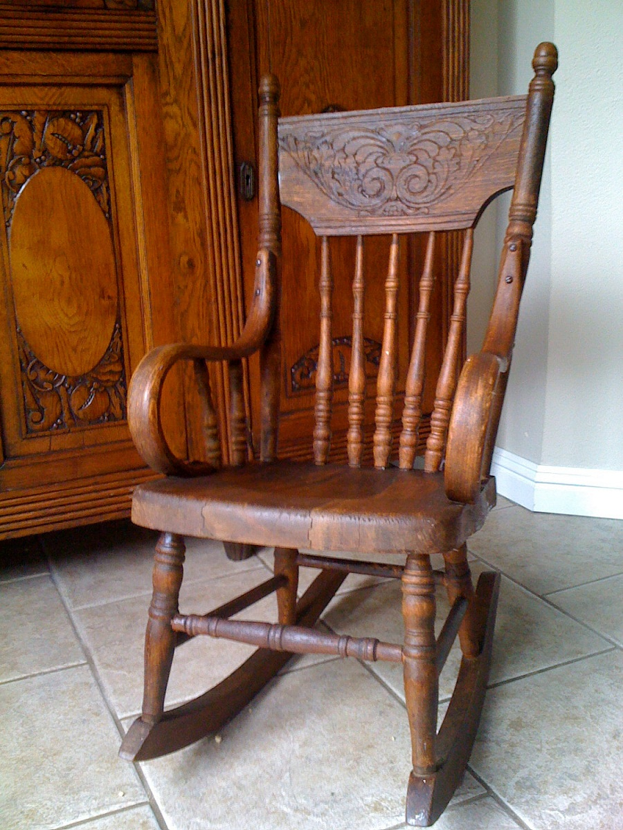 Image of: Antique Childs Rocking Chair