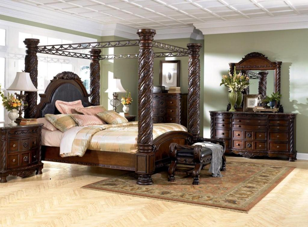 Image of: Ashley King Bedroom Furniture Sets