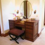 Awesome Vanity Set with Lighted Mirror
