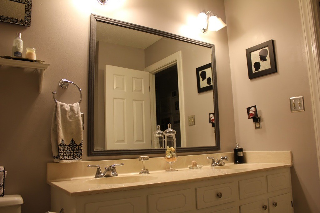Image of: Bathroom Vanity Mirrors Frame