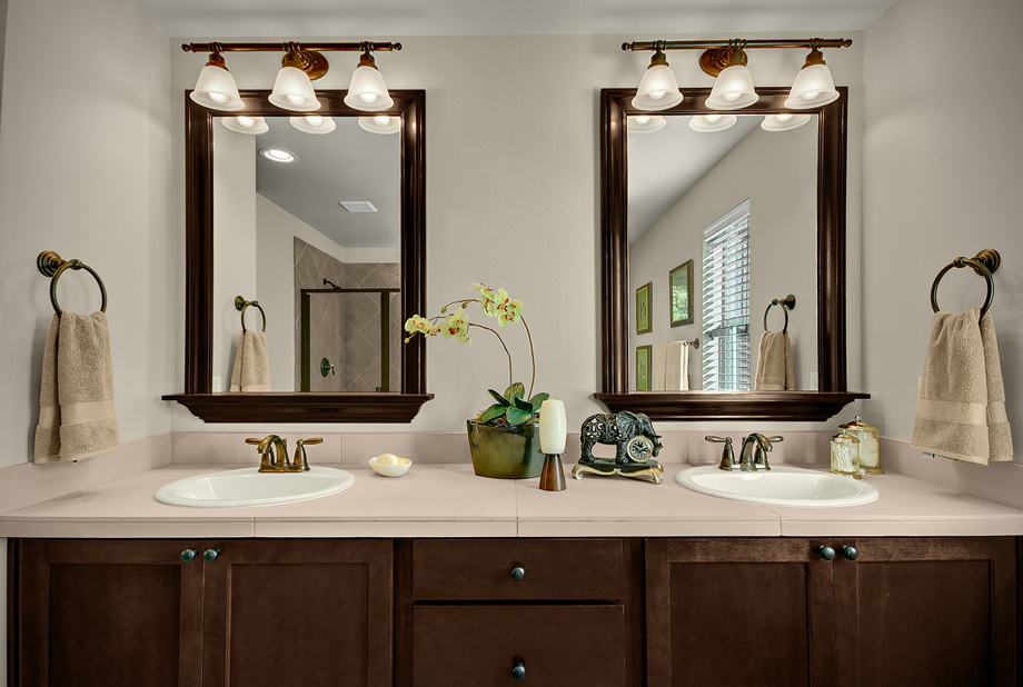 Image of: Bathroom Vanity Mirrors Type
