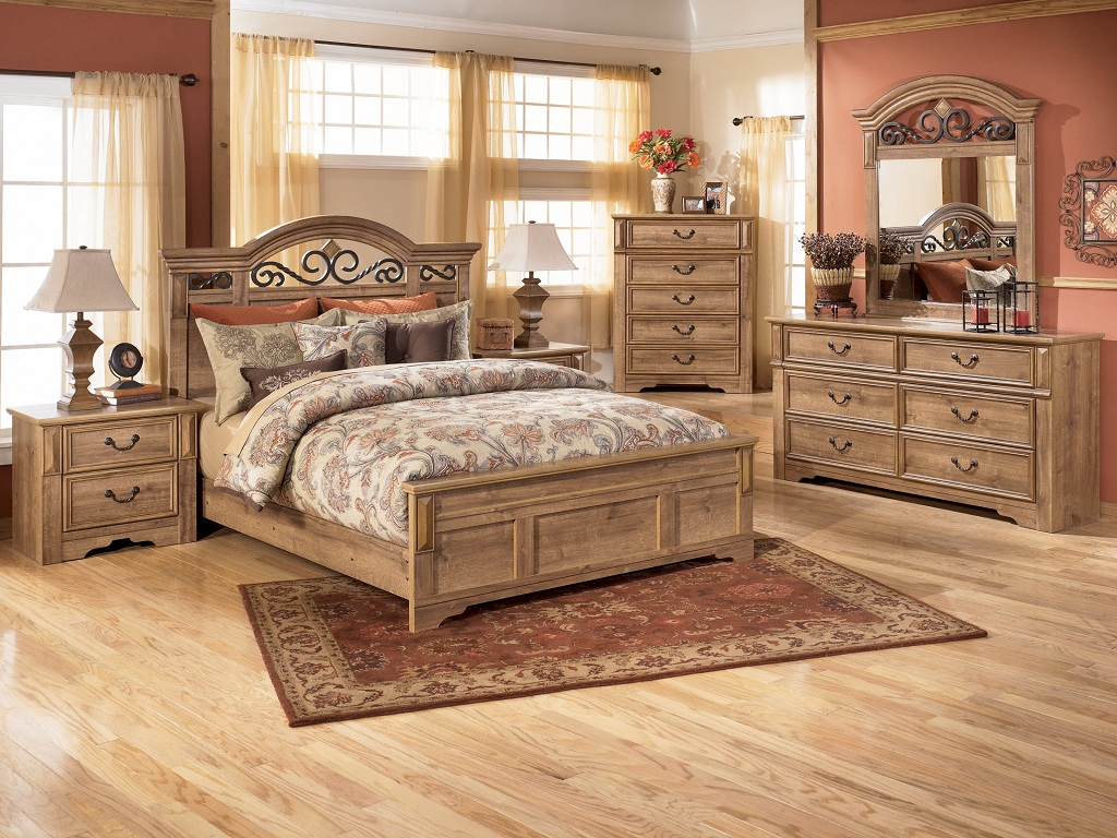 Image of: Beautiful Bedroom Sets Bedding