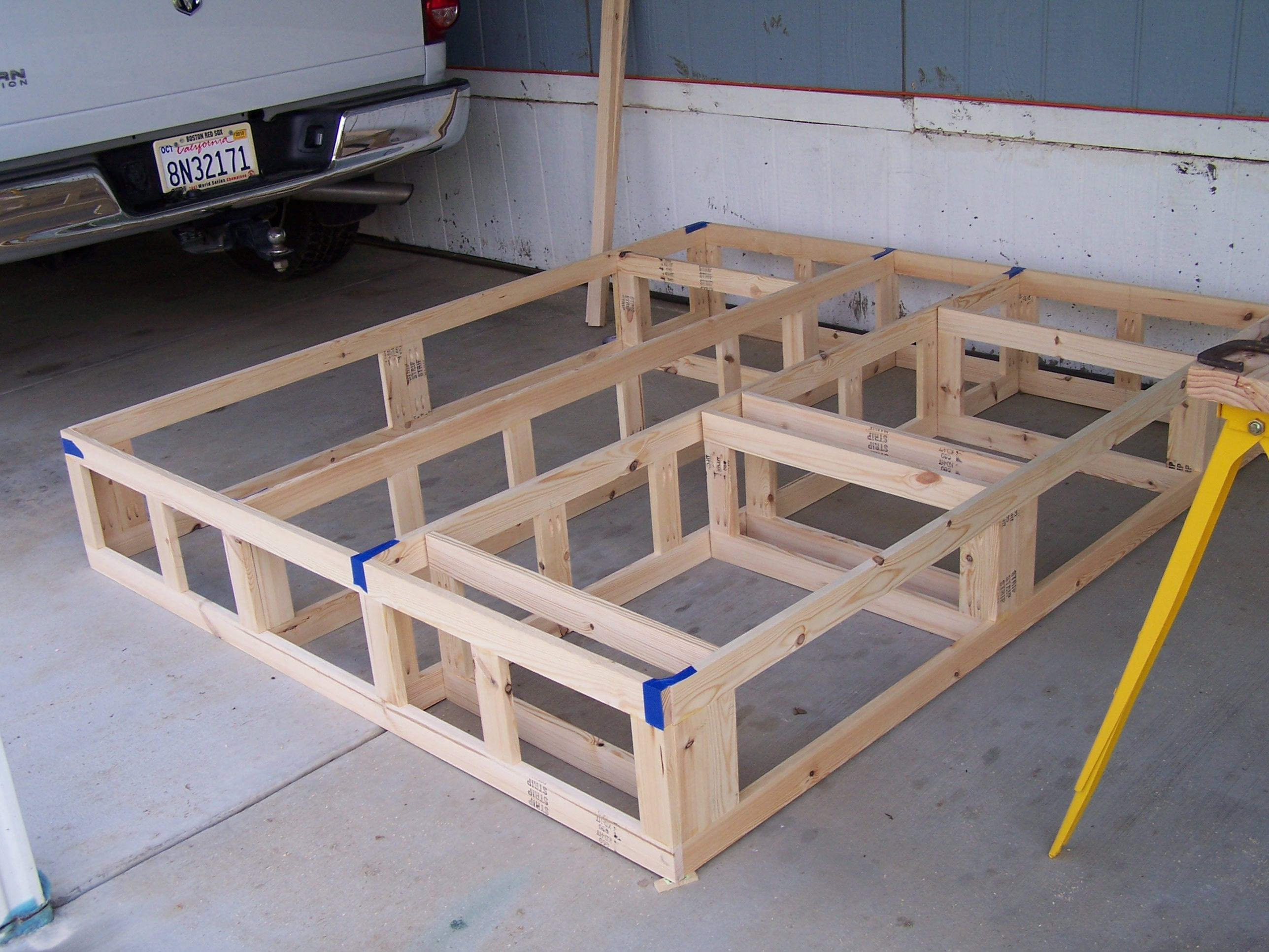 Image of: Bed Frames With Storage Canada