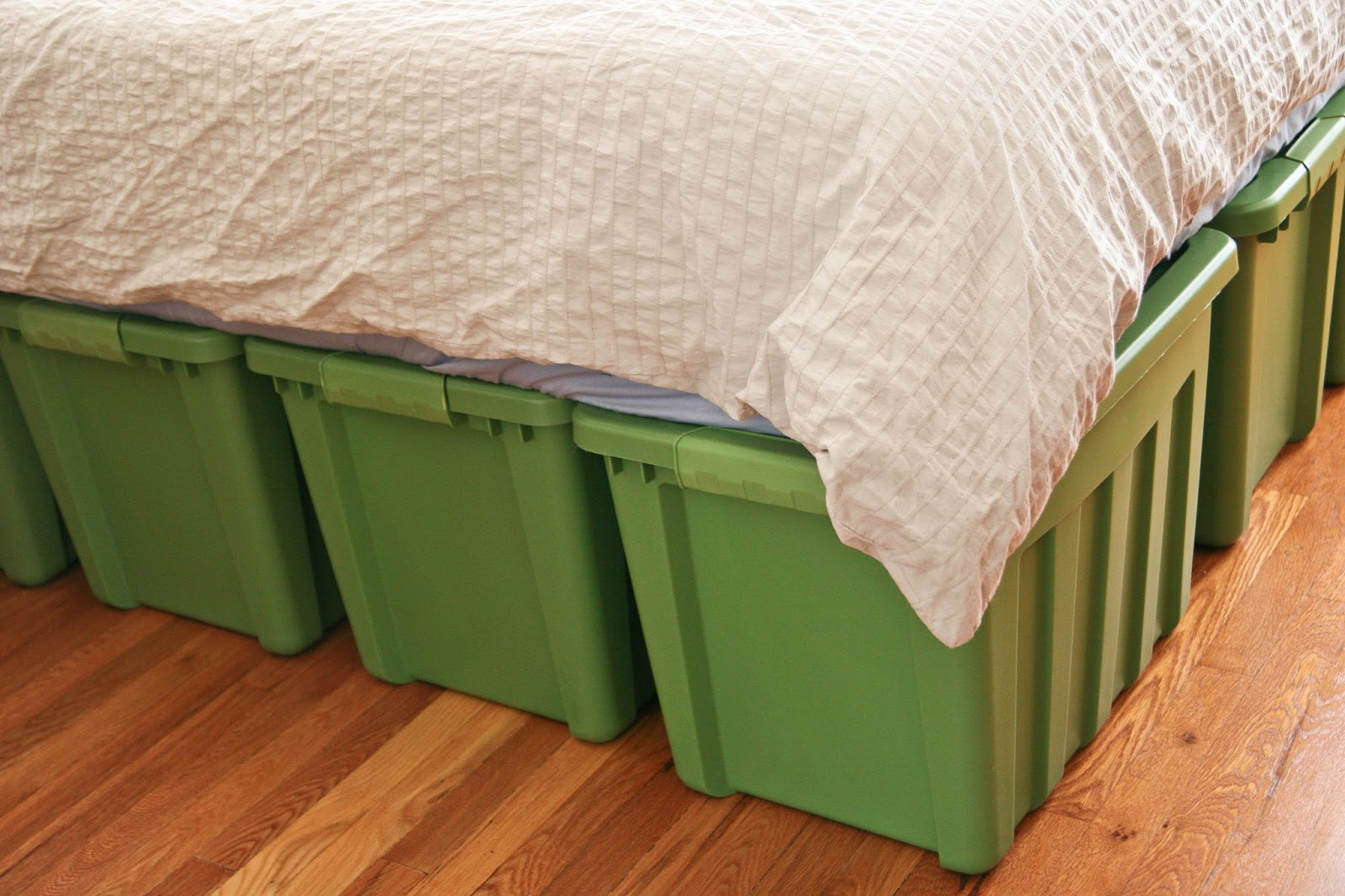 Image of: Bed Frames With Storage Twin