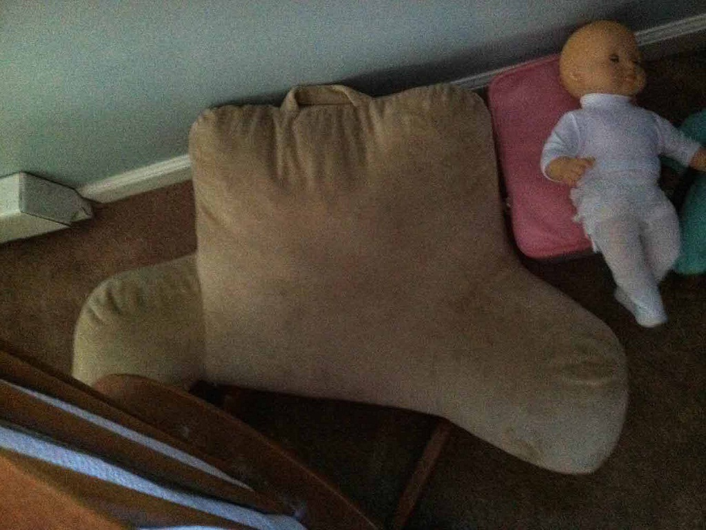 Image of: Bed Rest Pillow With Arms Cover