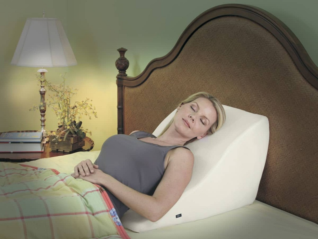 Image of: Bed Wedge Pillow Elevation