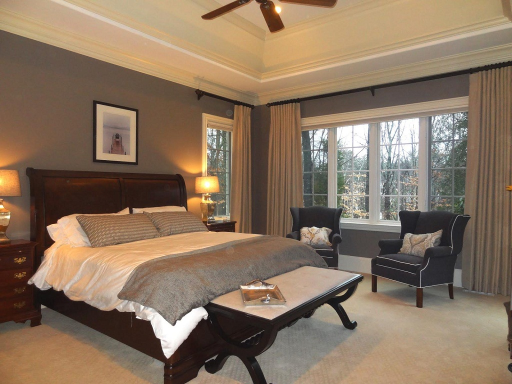 Image of: Bedroom Bay Window Treatment Ideas