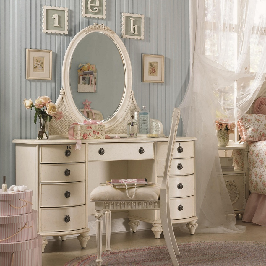 Image of: Bedroom Vanity Desk With Mirror