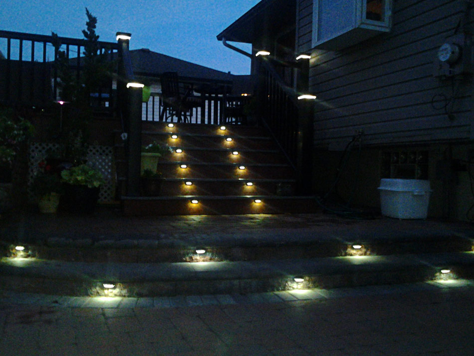 Image of: Best Deck Stair Lights