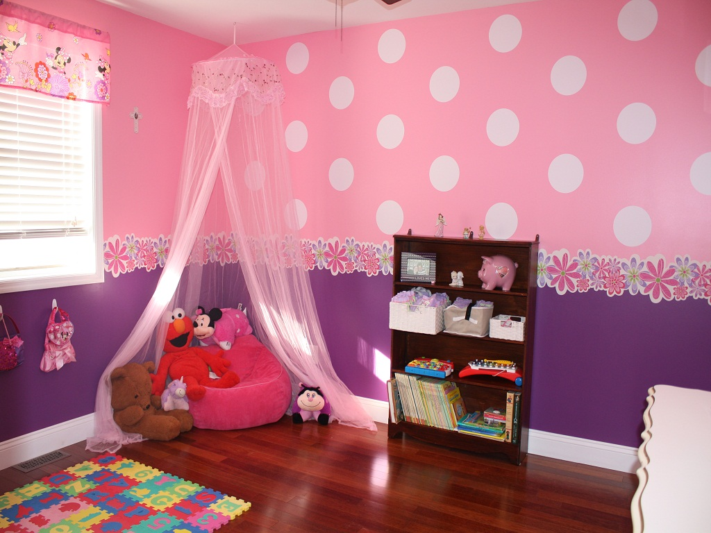 Image of: Best Minnie Mouse Bedroom Decor