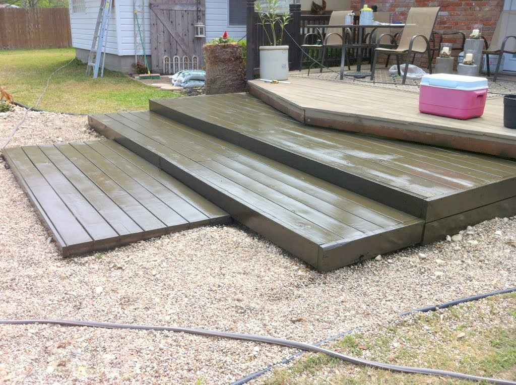 Image of: Best Pallet Pool Deck