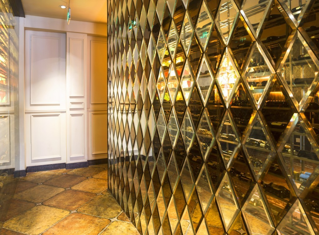 Image of: Beveled Mirror Wall Tiles