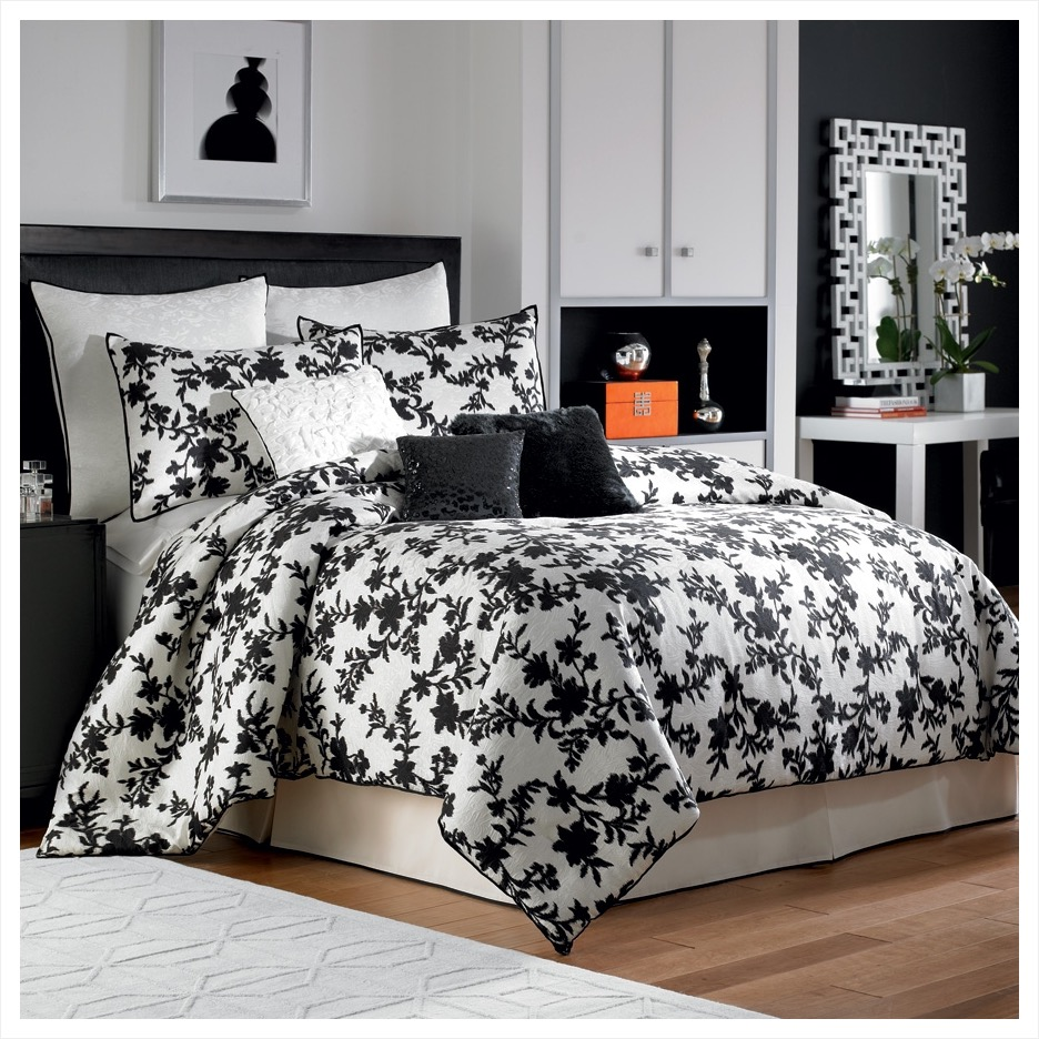 Image of: Black And White Bedding Ideas Color