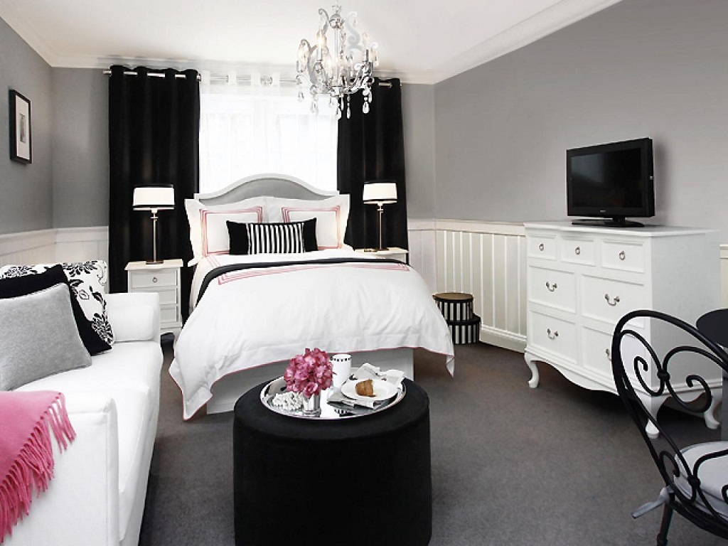 Image of: Black And White Bedroom Ideas For Small Rooms