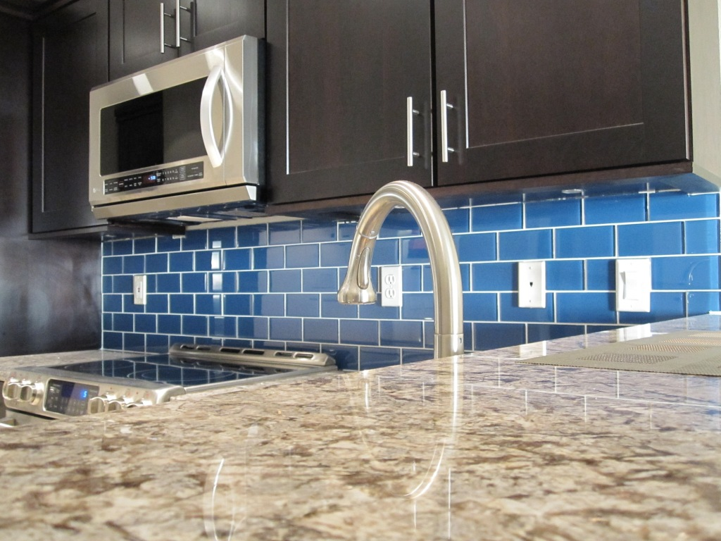 Image of: blue glass tile backsplash pictures