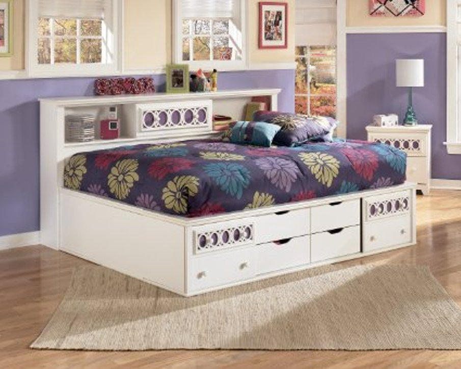 Image of: Bookcase daybed white