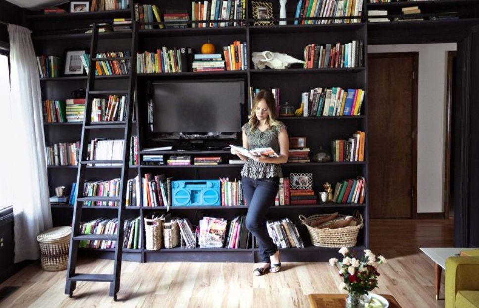 Image of: Bookcase with a ladder