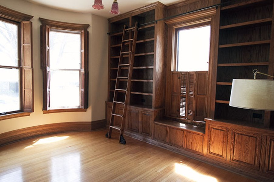 Image of: Bookcase with ladder