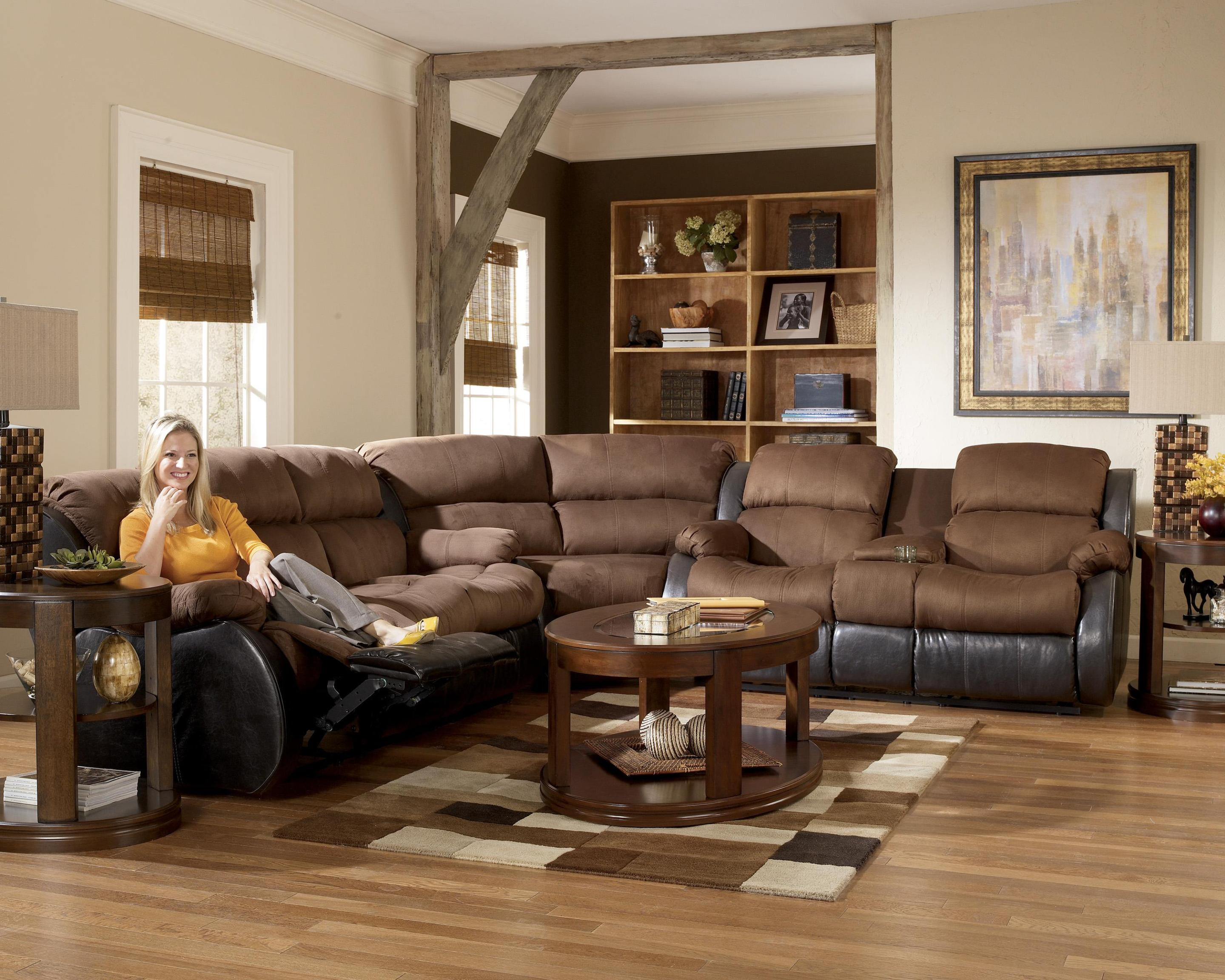 Image of: Brown Leather Sectional Sofas With Recliners