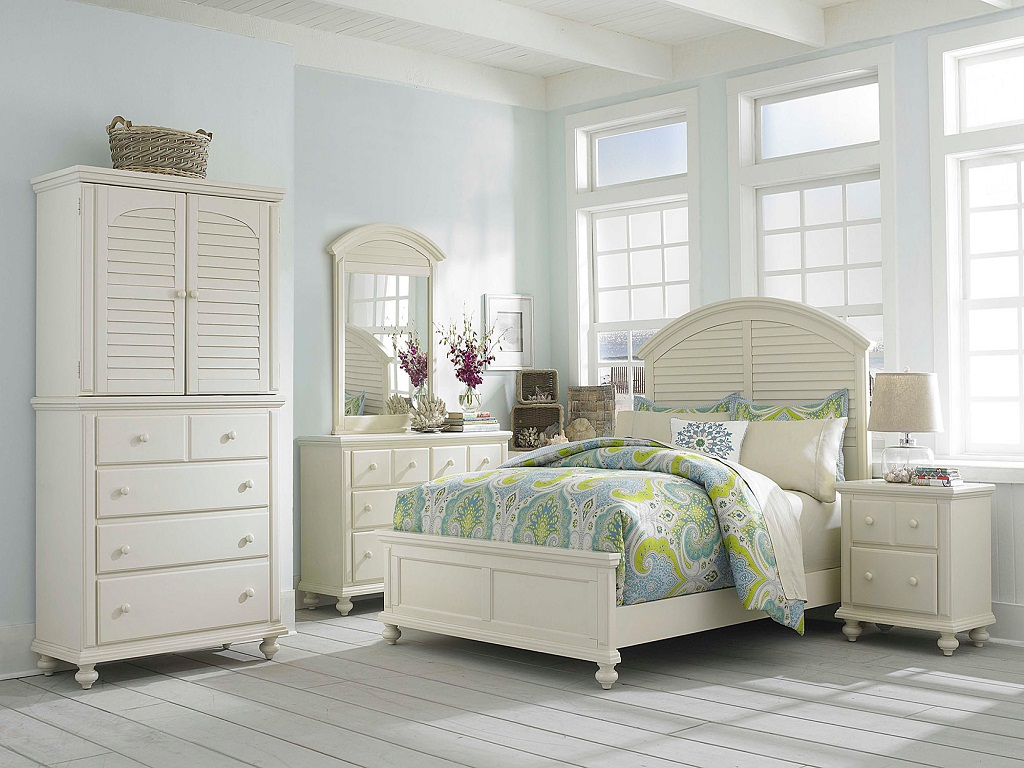 Image of: Broyhill Bedroom Sets Discounted