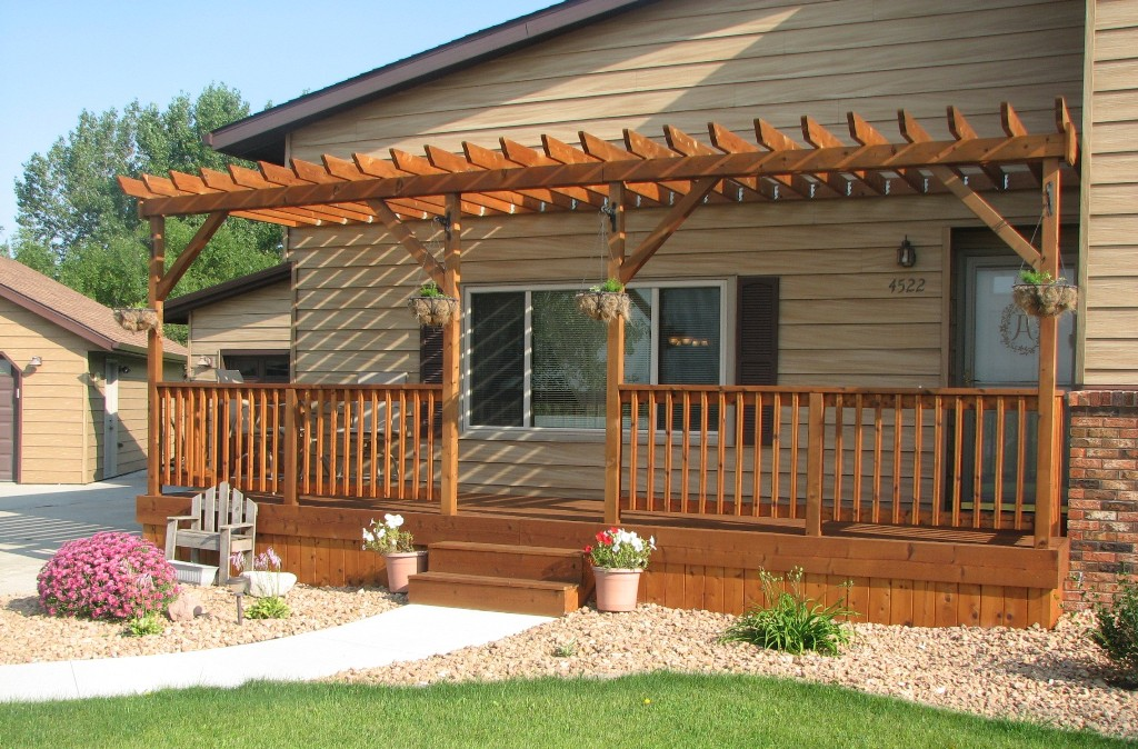 Image of: Build Front Deck Ideas