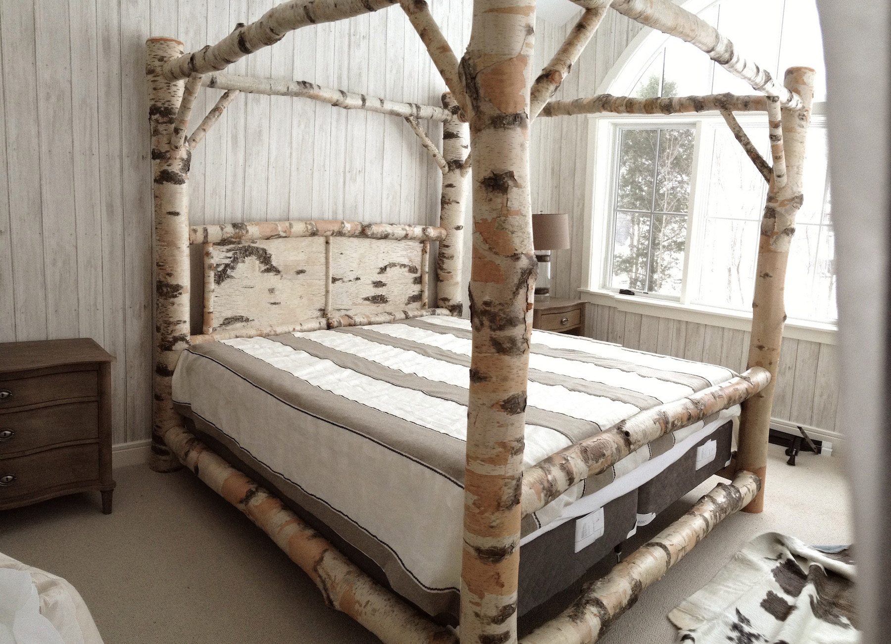 Image of: Canopy Bed Frame Ikea